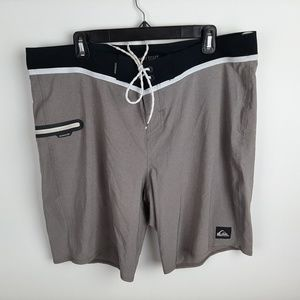 Quiksilver Dry Flight Technology Board Shorts Men'